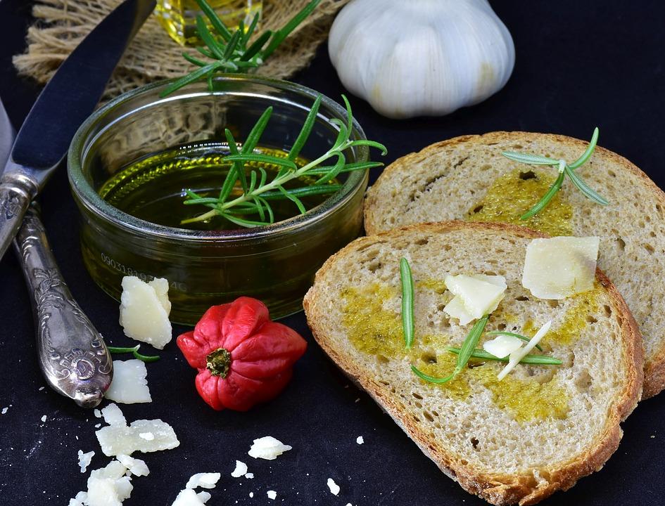 Pan de ajo con queso feta